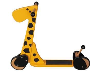 dětská dřevěná koloběžka žirafa gepetto