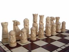 dřevěné šachy vyřezávané ZAMKOWE malé 106D mad