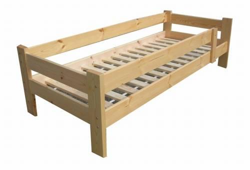 dřevěná jednolůžková postel z masivního dřeva Bajka chalup