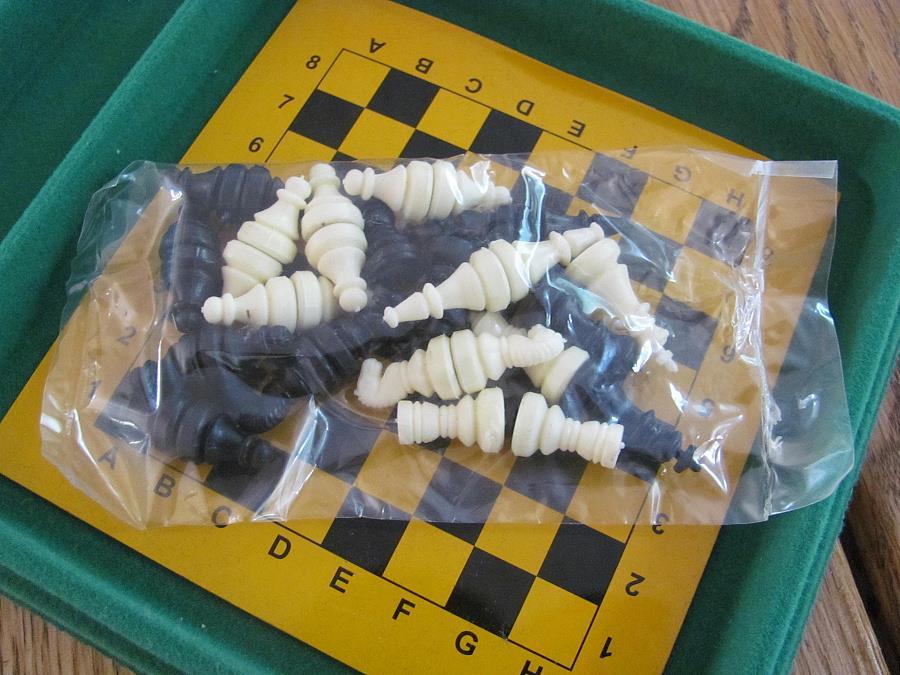 magnetické šachy Magnetické mini 140M mad  skladem