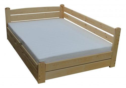 dřevěná dvojlůžková manželská postel s úložným prostorem Forteca chalup