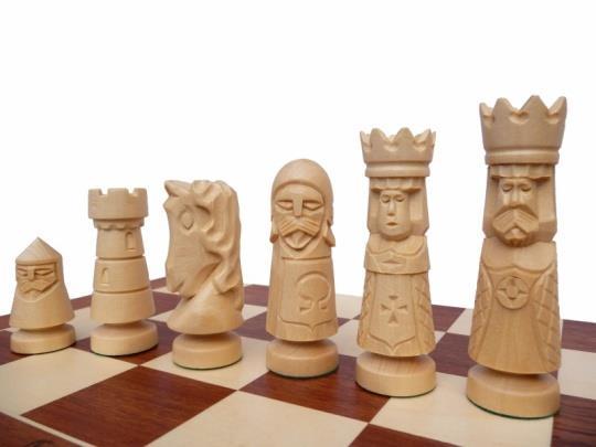 dřevěné šachy vyřezávané ZAMKOWE velké 106A mad