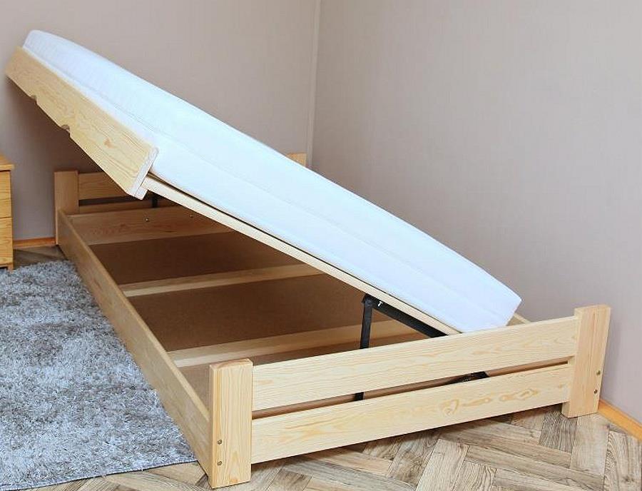 dřevěná dvojlůžková postel s úložným prostorem Champion chalup