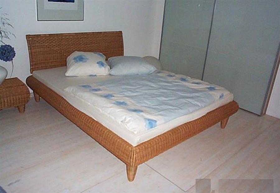 ratanová dvojlůžková postel Casandra axi