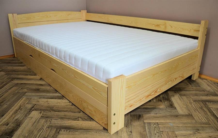 dřevěná jednolůžková postel s úložným prostorem Heros chalup