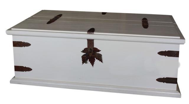 dřevěná rustikální stylová komoda, prádelník z masivního dřeva borovice Mexicana ARC03bíla euromeb