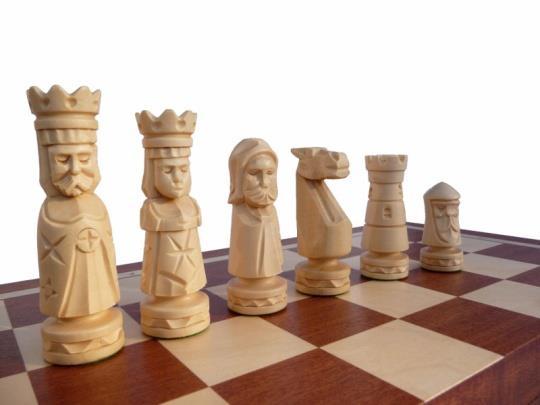 dřevěné šachy vyřezávané ZAMKOWE intarsja 106C mad