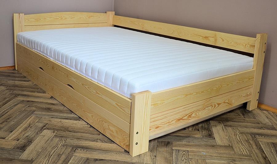 dřevěná dvojlůžková manželská postel s úložným prostorem Heros chalup