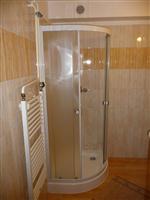 Hotel Praděd Rýmařov - podkrovní pokoje, sprcha