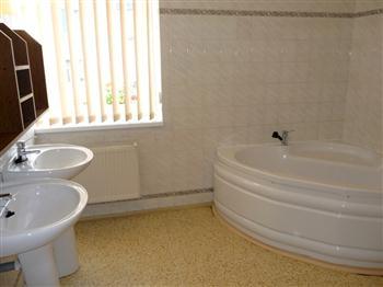 Hotel Praděd Rýmařov - apartmá, koupelna