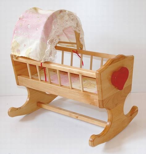 dřevěná dětská hračka kolébka pro panenky s nebesy