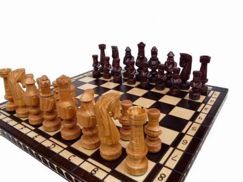šachy dřevěné dřevořezba Cezar malý 103 mad