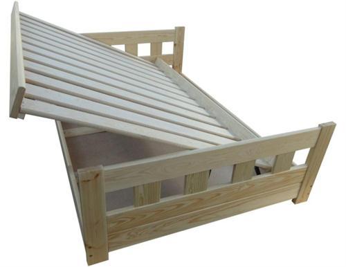 dvojlůžková dřevěná postel s úložným prostorem Wenecja chalup