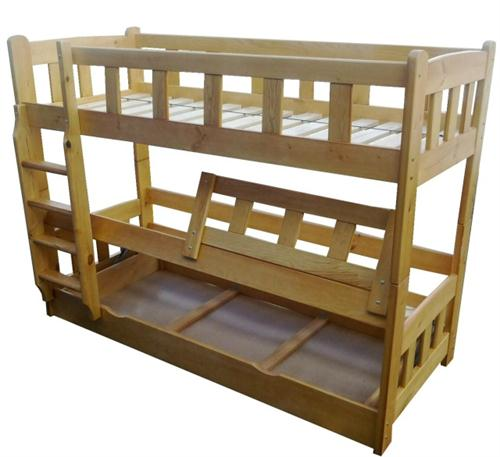 Dřevěná patrová postel z masivu Matador chalup