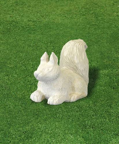 pískovcová zahradní dekorace veverka