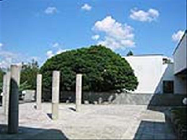 Krematorium Ústí nad Labem - okolí smuteční síně